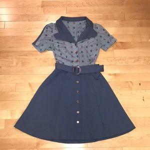Dresses & Skirts - VINTAGE 1970s blue floral button up mini dress